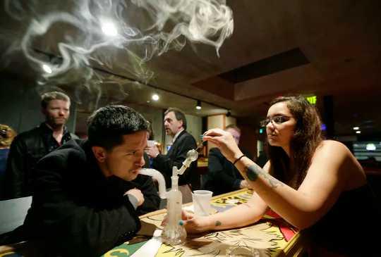 Onttrekking van onkruid: Meer as die helfte van mense wat mediese cannabis gebruik vir pyn, ervaar onttrekkingsimptome