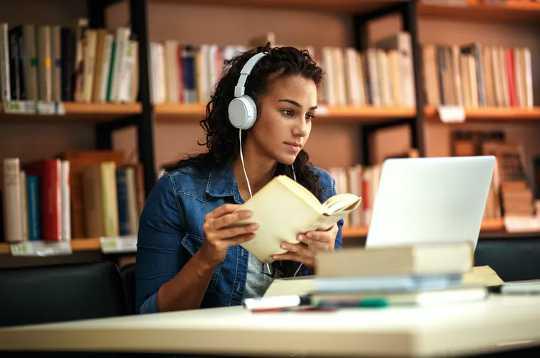 لماذا التعلم ، وليس المكافآت ، قد يكون مفتاح السعادة