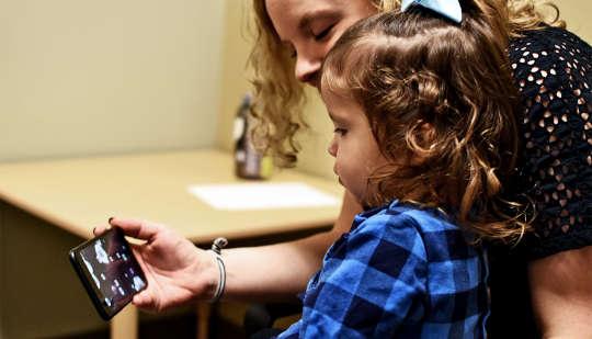 Diese App kann Autismus erkennen Melden Sie Kleinkinder an