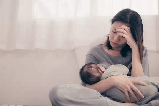 Ibu Bapa Baru Tidak Perlu Melaluinya Sendiri Dengan Masalah Mental