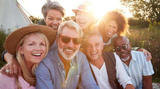 Adakah Persamaan Kebahagiaan? Inilah Cara Kami Cuba Mengetahui