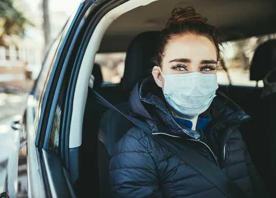 車内でのCovid-19空中感染のリスクを軽減する方法