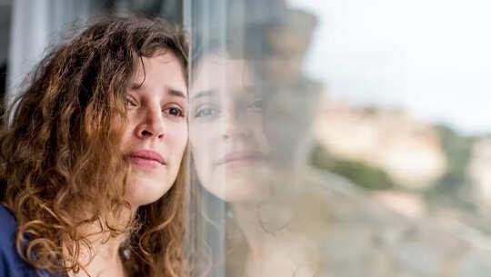 Kesalahan Survivor Adalah Isu Yang Berkembang Sebagai Realiti Kehilangan Menyelesaikan Di