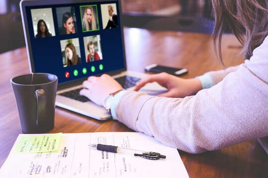 How Virtual Meetings Affect A Women's Body Image?