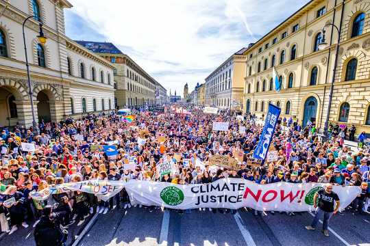 Der Greta-Thunberg-Effekt: Menschen, die mit jungen Klimaaktivisten vertraut sind, handeln möglicherweise eher