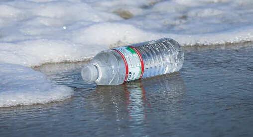 Куда попадает пластмассовое загрязнение, когда оно попадает в океан