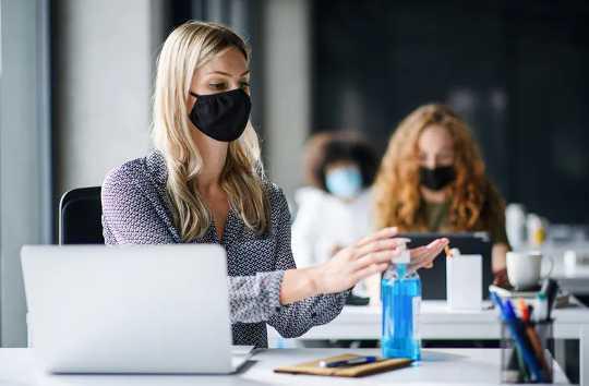 Vuoden kivun jälkeen, miten Covid-19-pandemia voi esiintyä vuonna 2021 ja sen jälkeen