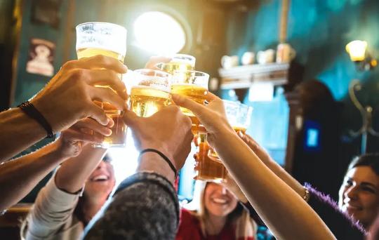 Perché alle persone mancano davvero le visite al pub