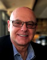 Donald Altman adalah psikoterapis, penulis pemenang anugerah, jurulatih bengkel antarabangsa, bekas sami Buddha dan Naib Presiden Pusat Pusat Makan Mindful yang lalu.