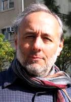 Stephen Arroyo on kirjoittanut lukuisia parhaiten myytäviä kirjoja astrologiasta