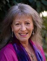 Erica Longdon, penulis dari Vibrational Sound Healing