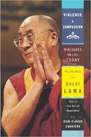 boekomslag: Geweld en mededogen door Zijne Heiligheid De Dalai Lama & Jean-Claude Carrière.