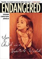 kulit buku: Terancam: Anak Anda dalam Dunia Musuh oleh Johann Christoph Arnold.
