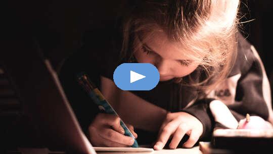 كتابة رسالة إلى الملاك الحارس (فيديو)
