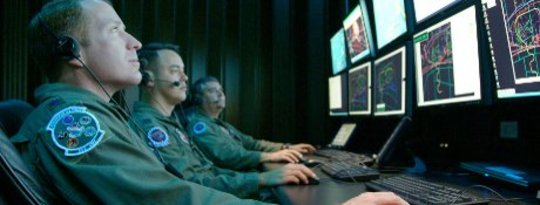 Ang Paparating na Cyber-Cold War: Pag-atake sa Online na Pioneering ng US