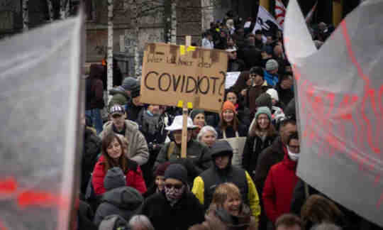 จากศัตรูตัวฉกาจสู่โรคโควิด: คำพูดมีความสำคัญเมื่อพูดถึง COVID-19