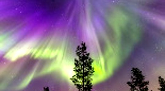 Auroras over Kiruna, Sweden on March 17, 2015 (credit: Oliver Wright, posted on SpaceWeather.com)(image cropped)