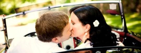Conduite de véhicules et embrassant: Être où votre coeur est