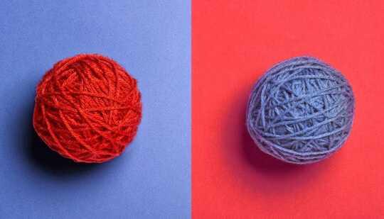 نخ قرمز روی زمینه آبی و بالعکس