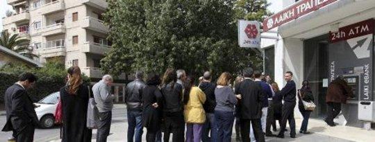 Kıbrıs'ta Banka Koşusu