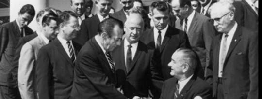 50 ans après la «guerre contre la pauvreté» de LBJ, un appel pour un nouveau combat contre l'inégalité 21st Century