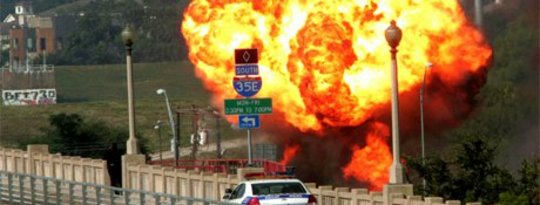 Dans un autre signe d'une infrastructure défaillante, les fuites de méthane dans les grandes villes américaines expliquent les risques