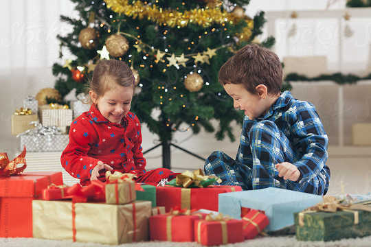 Why Young Children Often Prefer Wrapping Paper And Boxes To Actual Presents