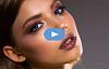 vue latérale du visage d'une femme à la pensive