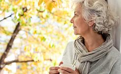Cosas de 6 a considerar al buscar un hogar para el cuidado de la demencia