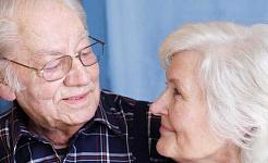 Ang mga Over-the-counter na Meds ay maaaring Paliitin ang mga Older Brains