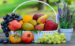 どのフルーツがより健康的で、どのような形になっていますか?