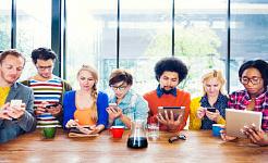 Mest tid på sociala medier tittar bara på människor