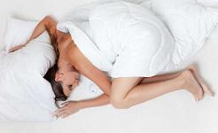 Știința din spatele de ce iubești un somn în weekend