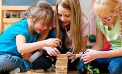 Mengubah Wajah Autisme: Di Sini Datanglah Gadis-gadis