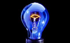 Blootstelling aan blauw licht vóór chirurgie Oranjeschade verminderen?