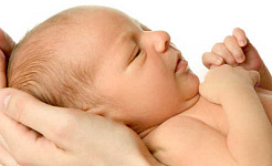 अपने नवजात शिशु में एक माँ का एक्सपोजर विषाक्त रसायन दिखाता है