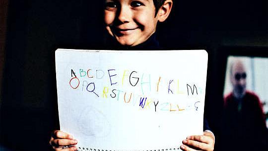 手寫字母是學習閱讀的最佳方式