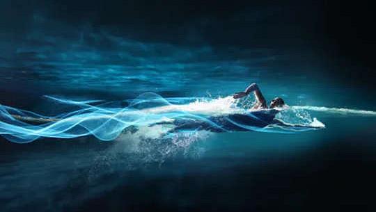 Por qué la natación estimula tu cerebro